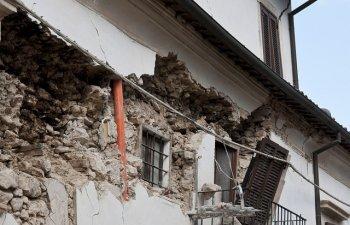 Cutremur in Franta, soldat cu patru raniti, dintre care unul foarte grav. Martor: