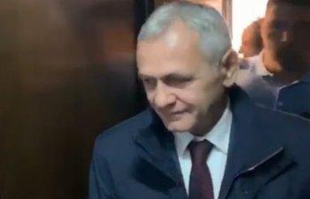 Prima aparitie publica a lui Dragnea de la incarcerare. Fostul lider PSD, adus la Instanta suprema/ VIDEO