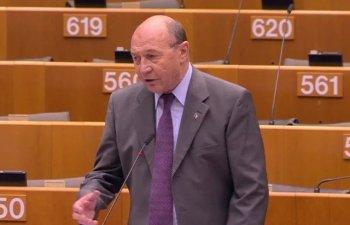 Basescu: Iohannis nu are practic adversar, dar pentru consolidarea imaginii de politician ii prindea foarte bine o demonstratie publica