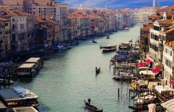 Venetia sub ape: A fost declarata starea de urgenta si au fost aprobate primele ajutoare pentru locuitorii din zona