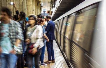Circulatia trenurilor de metrou, prelungita cu o ora vineri, pentru partida de fotbal Romania-Suedia
