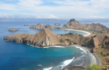 Guvernatorul unei provincii indoneziene sustine ca turistii saraci nu sunt bine-veniti