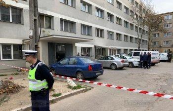 Trei persoane, printre care doi copii, au murit si alti sase au ajuns de urgenta la spital, in Timisoara. Autoritatile au decis evacuarea unui bloc intreg