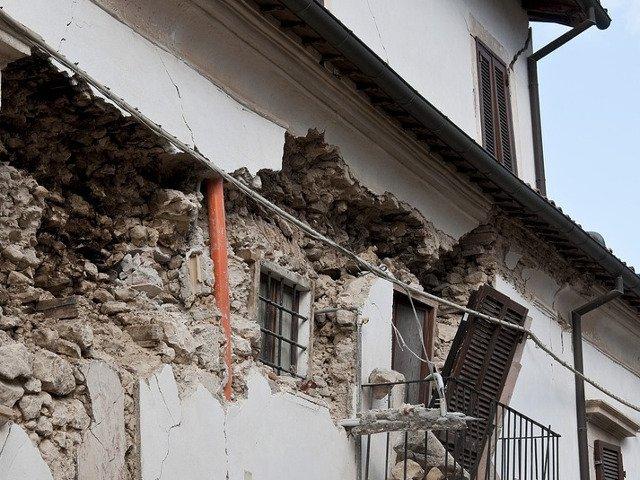 Ajutoare umanitare din Romania pentru Albania, dupa cutremurul din 26 noiembrie
