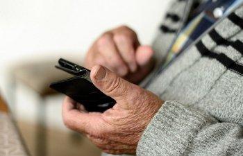 Pensionar de 71 de ani, retinut dupa ce a sunat de circa 24.000 de ori la serviciul clienti al unei companii de telefonie
