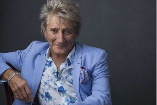 Rod Stewart, Elton John si Paul McCartney, printre vedetele care au publicat urari de Craciun pe internet