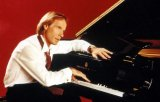 Pianistul Richard Clayderman va concerta la Bucuresti