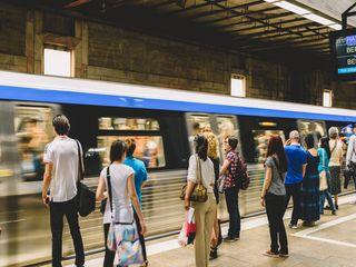 Mergi mai des cu metroul