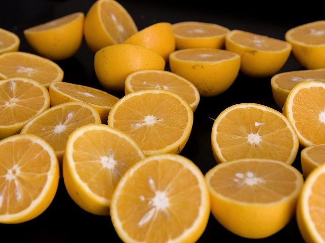 Mananca multe fructe