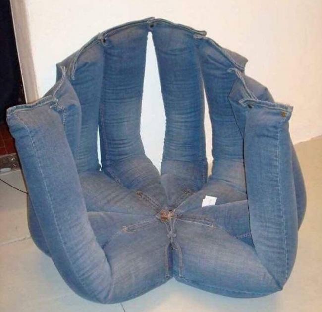 Scaun facut din jeansi