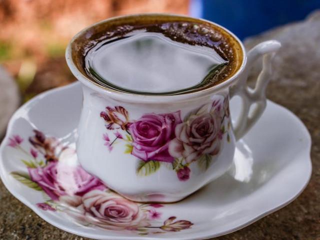 O ceasca de cafea iti...