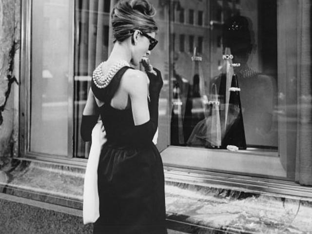 Audrey Hepburn - Breakfast at...