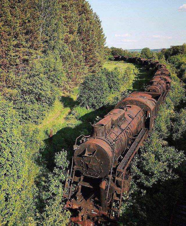 Tren abandonat in Siberia,...